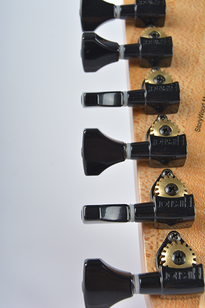 StoryWood-Music-4R-2-hipshot-open-gear-tuners.png