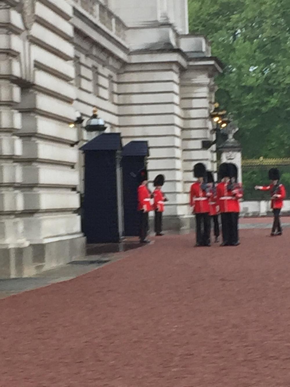 Buckingham-Palace-1.jpg