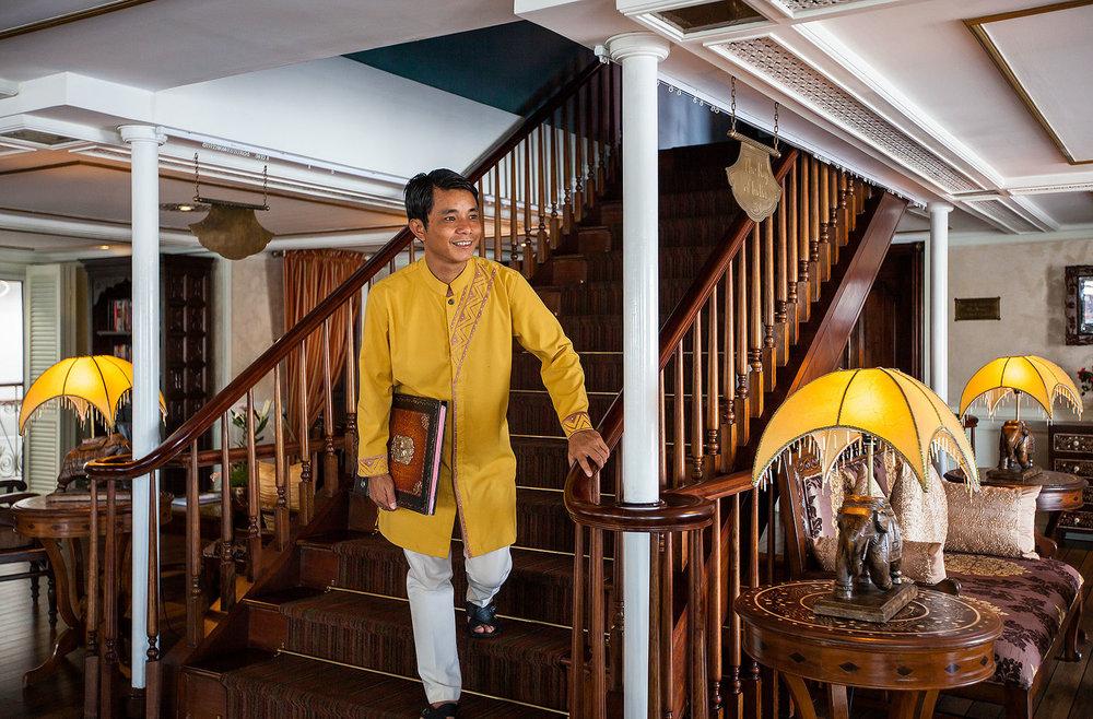 Raj of India Lounge