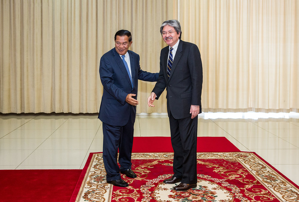 Prime Minister Hun Sen and Hong Kong Minister of Finance, Peace Palace Phnom Penh