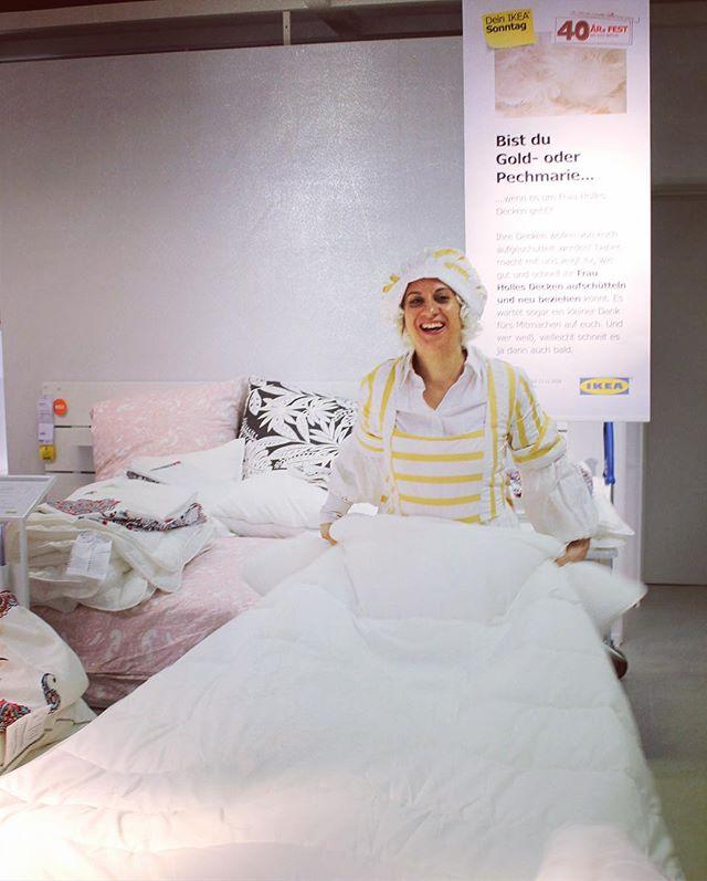 |Werbung - Seitenmarkierungen|  IKEA Märchentag mit Frau Holle, Rotkäppchen, Hans im Glück, Hänsel & Gretel, Schneewittchen und dem traditionellen Schwedenmädel #ikea #märchentag #ikeafood #ikeafamily #ikeafamilycard #family #berlin #ikeadeutschland #schweden #shopping #happyweekend #verkaufsoffenersonntag #bestoftheday #happy #fun #amazing #life #style #food #friends #smile #linipromotion