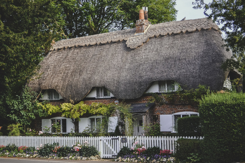 An English Country Summer - thatched country cottage in Hampshire, UK