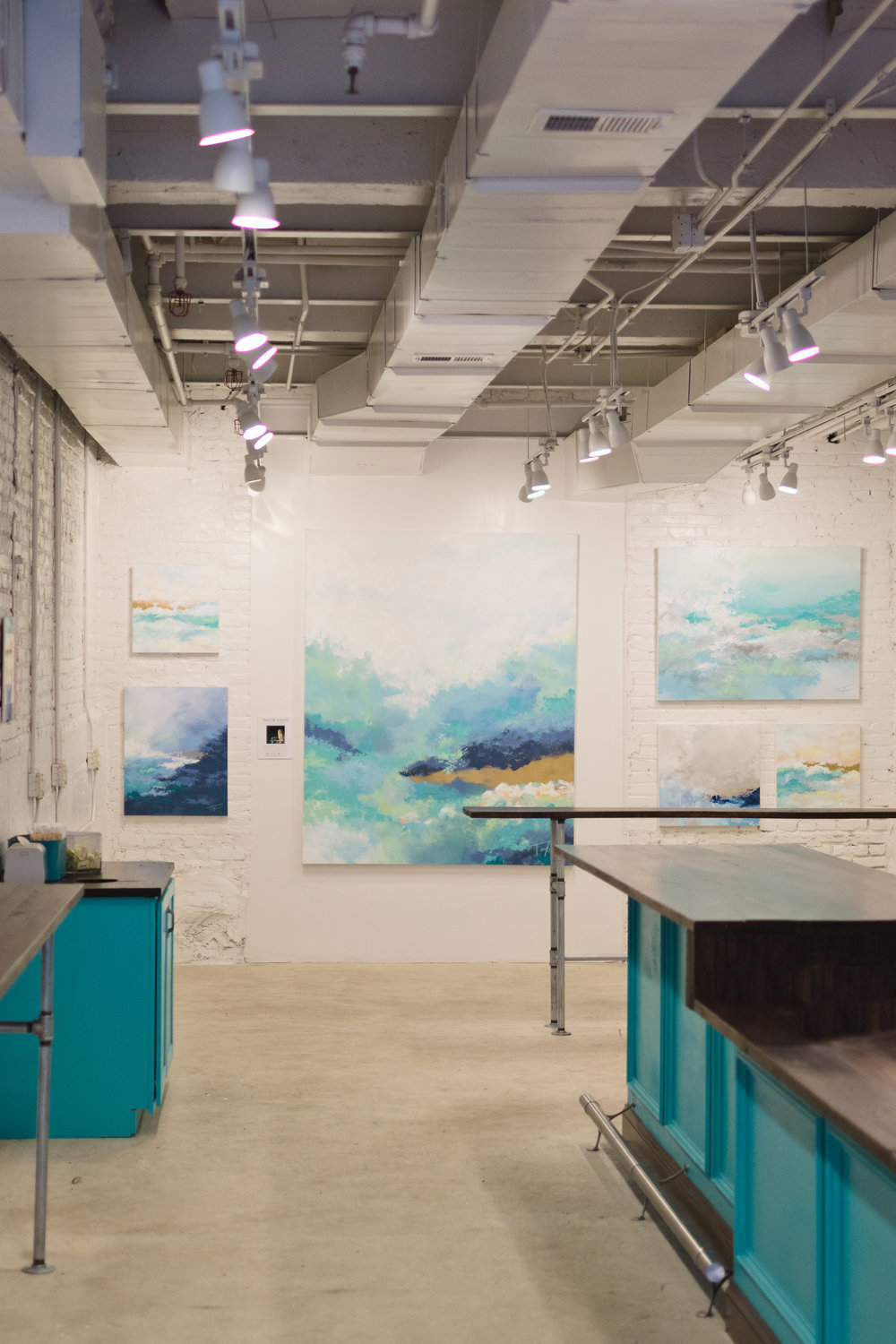 Interested in renting our store space? - Let's chat! Our Georgetown store is perfect for small to medium sized events.Location3327 Cady's Alley NW. Right in the heart of historic Georgetown.Capacity1,100 square feet, stool seating for 12, ideal for groups up to 40AmenitiesWashington DC's best doughnuts, locally roasted coffee, tea, milk, juices. Bar-style seating, paper serving ware, local art, bathroomAvailabilityWeekdays after 5PM, Weekends after 6PM