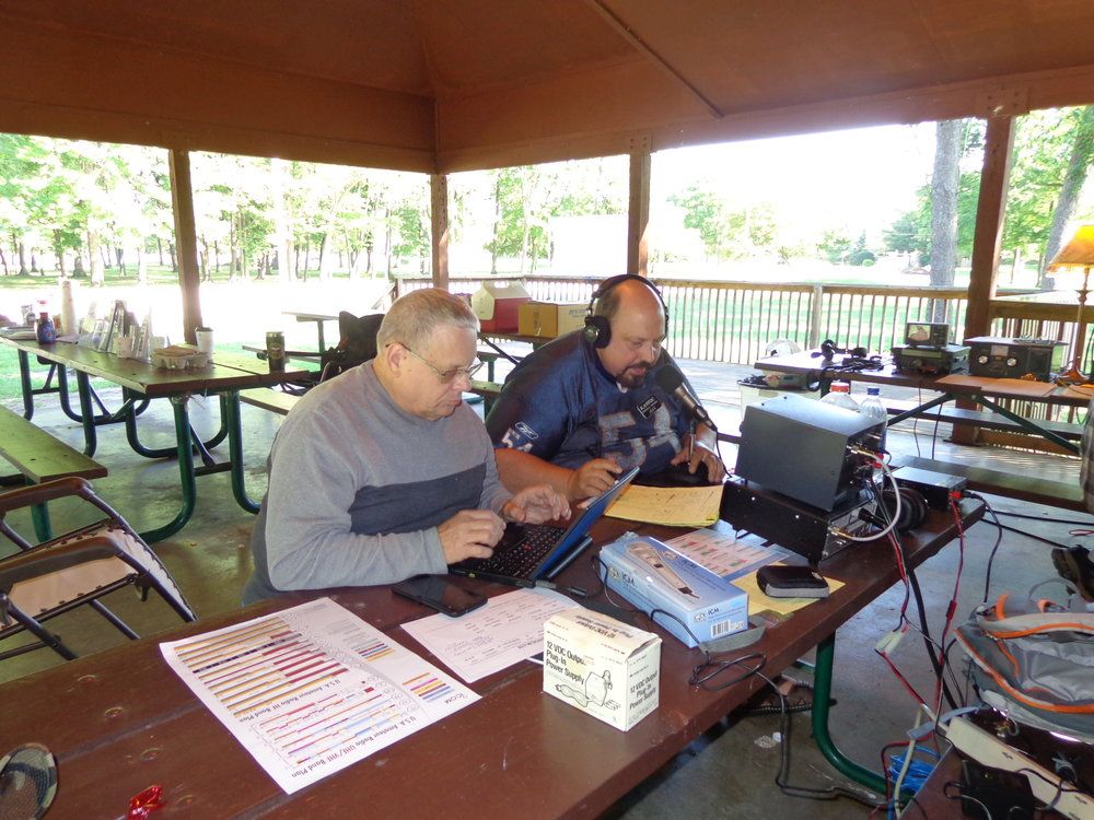 Jeff Wynegar KA9TOC - Jeff, KA9TOC, was knocking out SSB Phone contacts during the night and into Sunday Morning. Mike Ciesiolka, KO9Q, logging using N1MM.