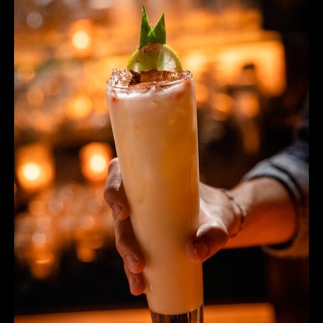 Feeling like a deliciously creamy piña colada? Open late and celebrating the holiday. #westloopisthebestloop #afterdinnerdrinks #steamynight #chicagoeater #chicagomagazine #urbandaddy #chicagofoodauthority #cocktail #pinacolada #dramliqueur