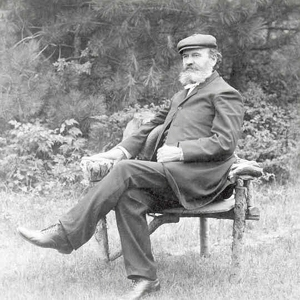 simpson seated.jpg