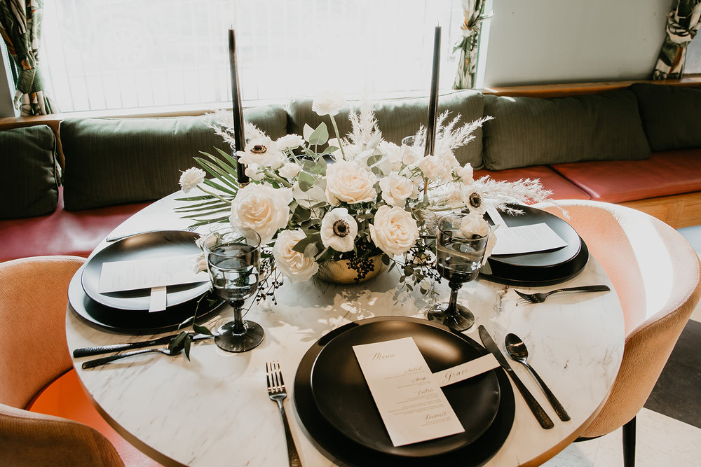 calgary wedding table setting and table scape