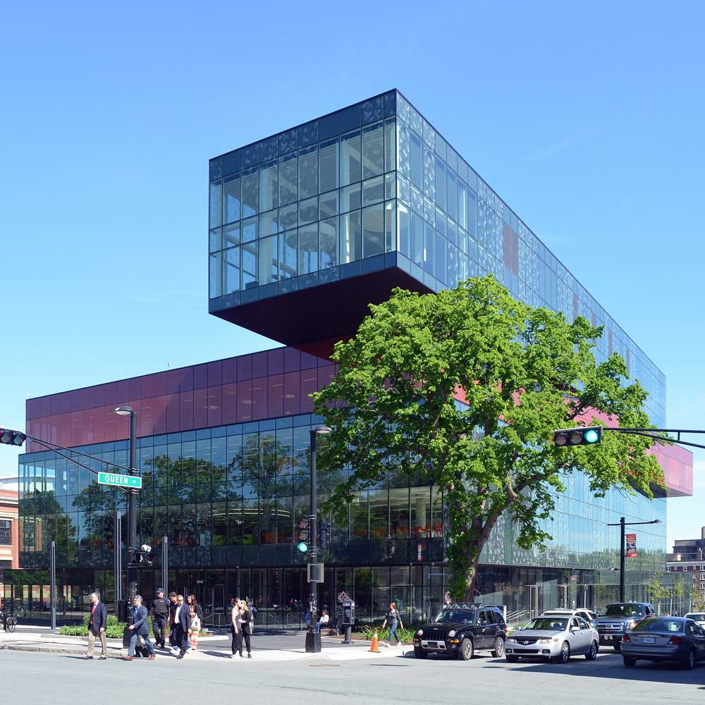 Halifax_central_library_June_2015.jpg