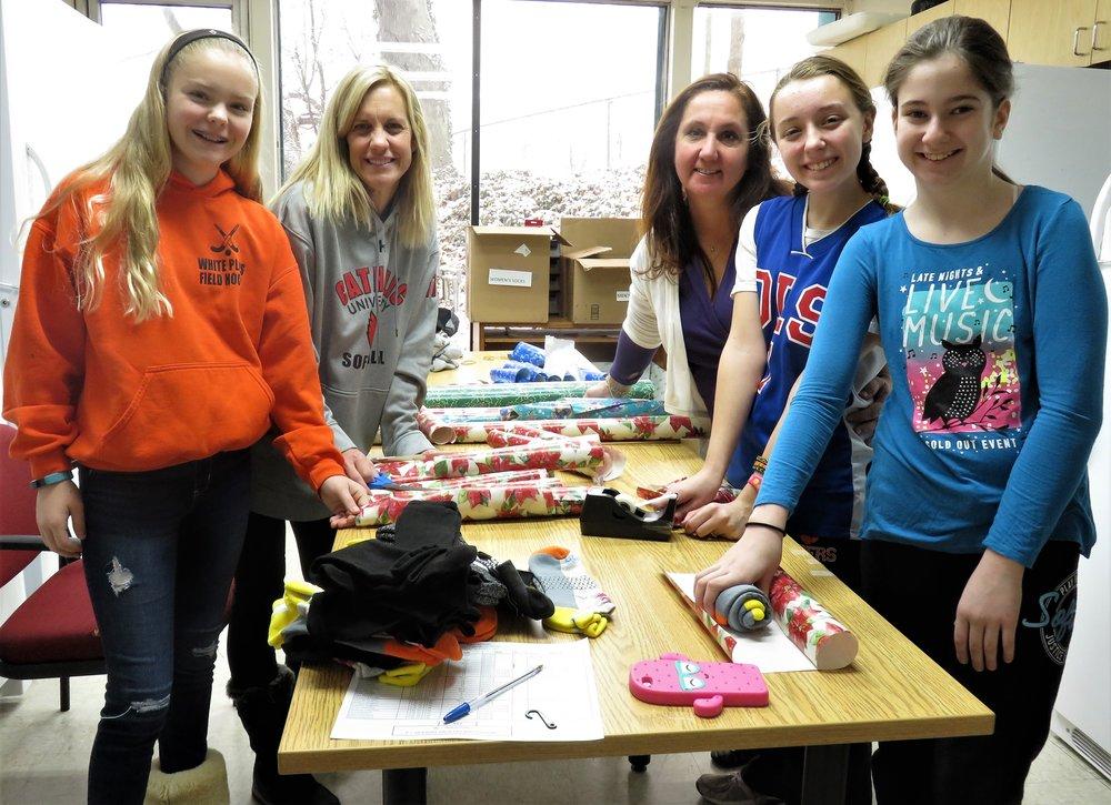 Teen Volunteers.JPG