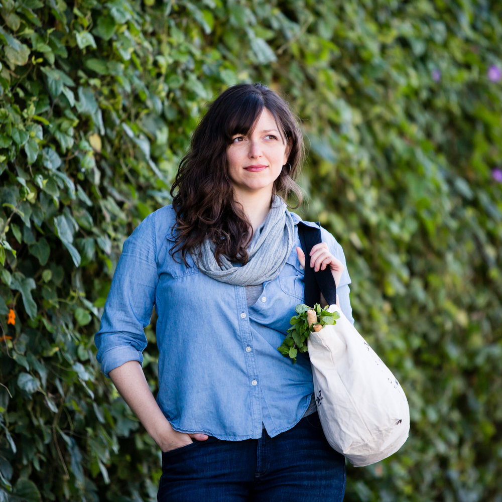 Hi, I'm Alanna Taylor-Tobin - -- a San Francisco-based food photographer, food videographer, and cookbook author. In 2009 I founded the recipe website The Bojon Gourmet after leaving my career as a pastry chef to pursue food photography. In addition to shooting cookbook, magazine, and web content, I also work with brands big and small to develop and photograph recipes and cinematic recipe videos in collaboration with Sarah Menanix of Snixy Kitchen. I'm also available for sponsored blog and social media posts through my Bojon Gourmet platform.