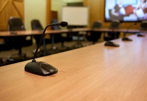 wireless-gooseneck-microphone-conference-room-table-acoustics.jpg