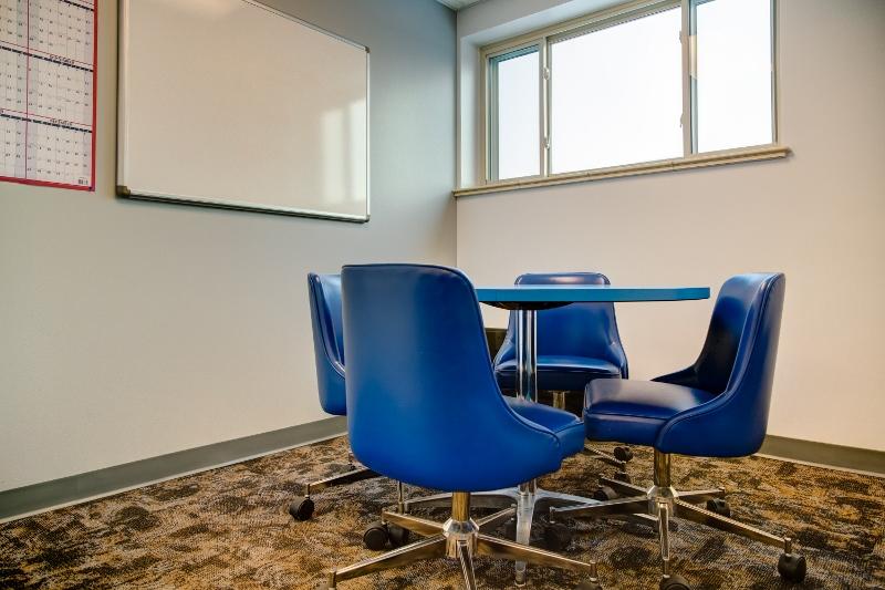 Wave-Engineering-Denver-Huddle-Room.jpg