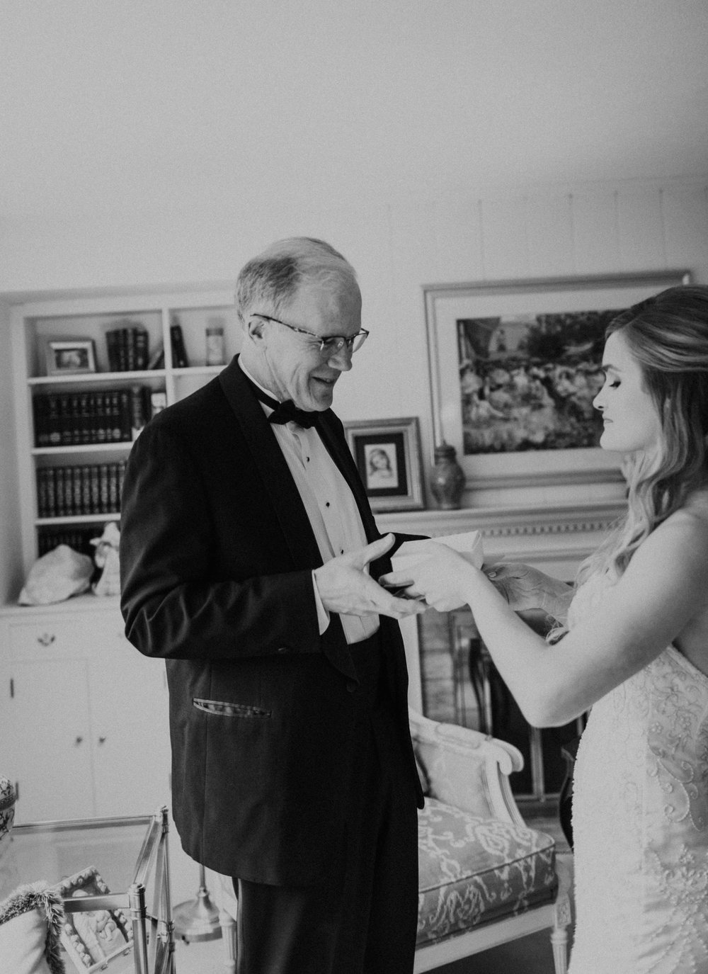 Emma+Tim Getting Ready-107.jpg