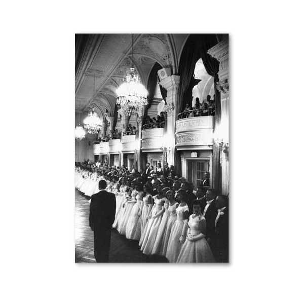 F0008-UF-ML000-600-debutante-ball-held-at-the-copley-plaza-in-boston-massachusetts-picture-id2695045.jpg