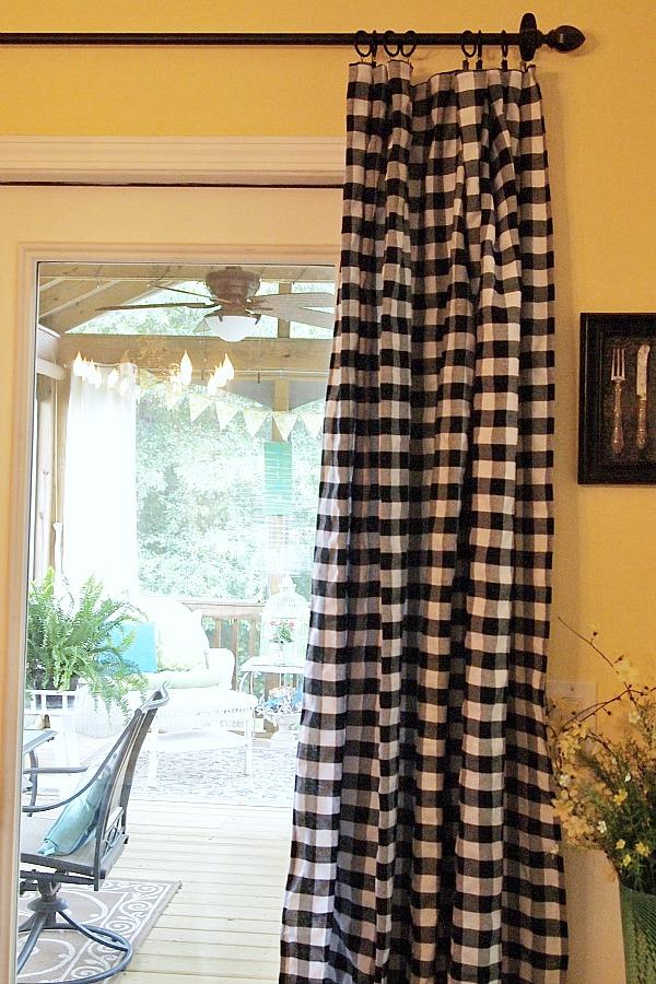 tablecloth-curtain.jpg