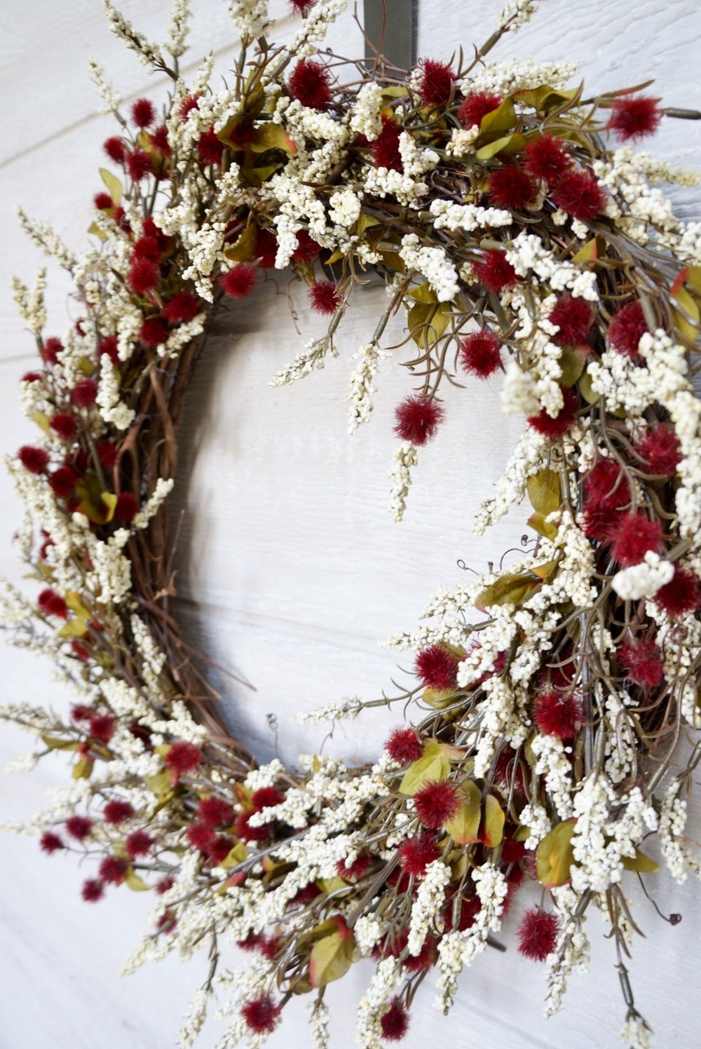 cranberry-white-wreath.jpg