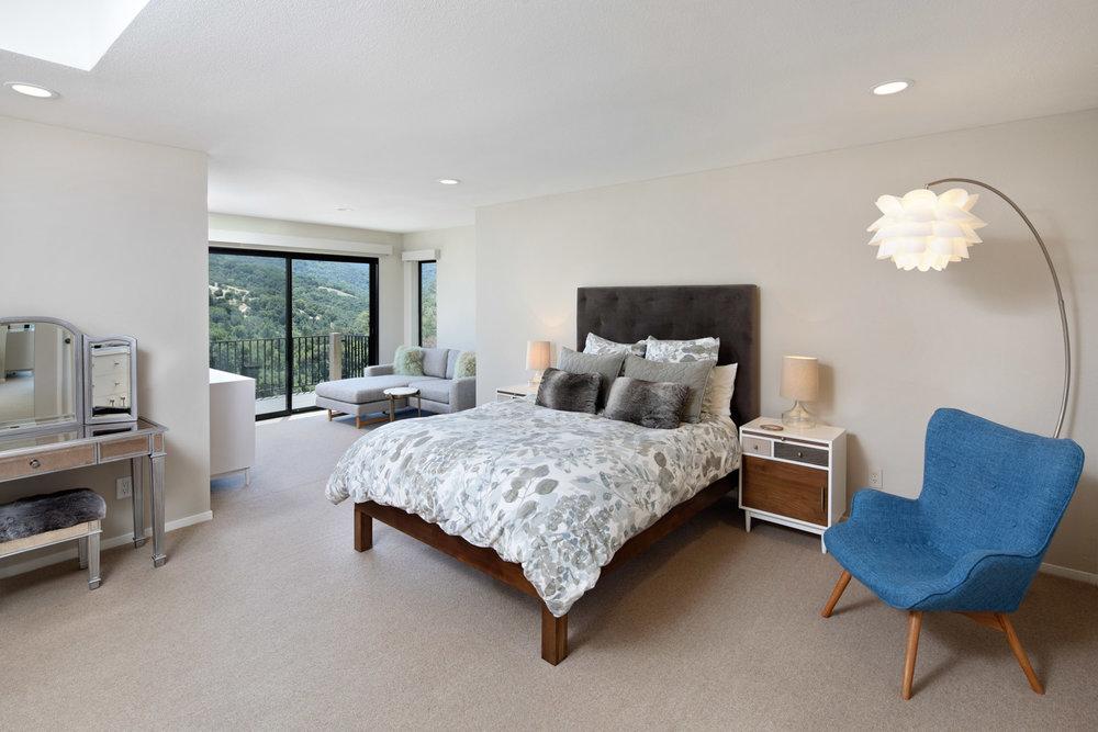 10 Franciscan - master bedroom.jpg