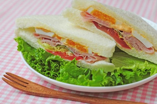 【TOP画像】ホームベーカリーのパンで親子サンドイッチ作り.jpg