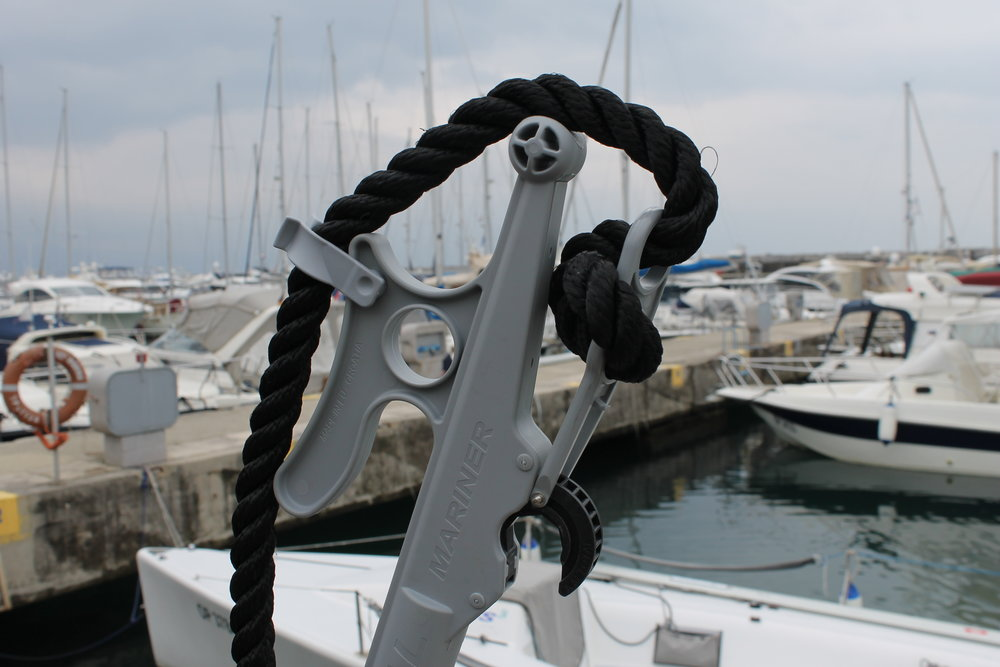 - MARINER VM TOTAL is made of anodized aluminum, and UV resistant plastic which is also resistant to impact and scratches. Due to these materials, MARINER is resistant to salt and does not need to be washed with fresh water.