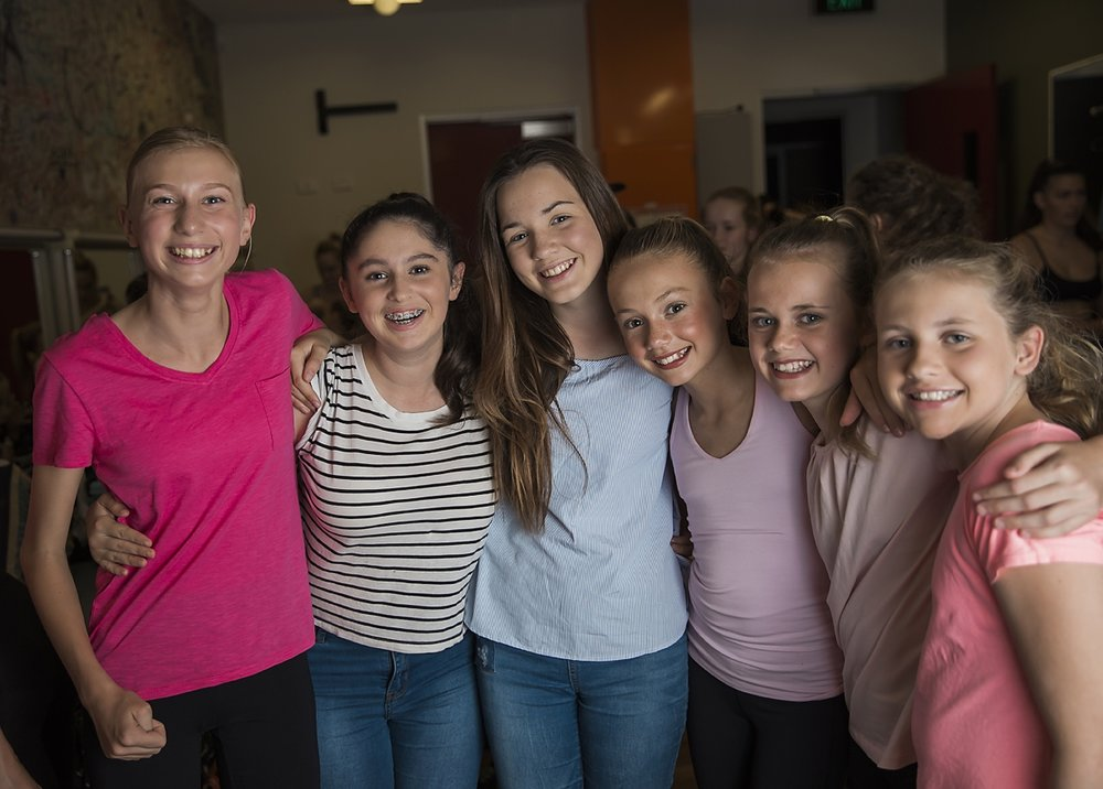 Weekly Classes - Sunshine Coast Youth Theatre offers a range of classes to performers of all levels.Classes include Musical Theatre, Acting, Glee, Jazz, Lyrical, Ballet, Fitness, Sport Aerobics, Cheerleading and more!Classes are available from students as young as Grade 1, right through to 18 years of age.Sunshine Coast Youth Theatre keeps class sizes small, to ensure personalised care and tuition for all its students. All classes are held in our purpose built studios, fully mirrored with sprung floors, located in Noosaville.To find out more information on times and what's on offer, check out our Term 1 timetable.