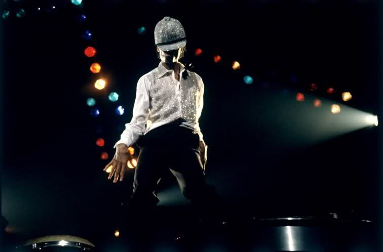 Michael Jackson wearing an awesome hat on the Triumph tour