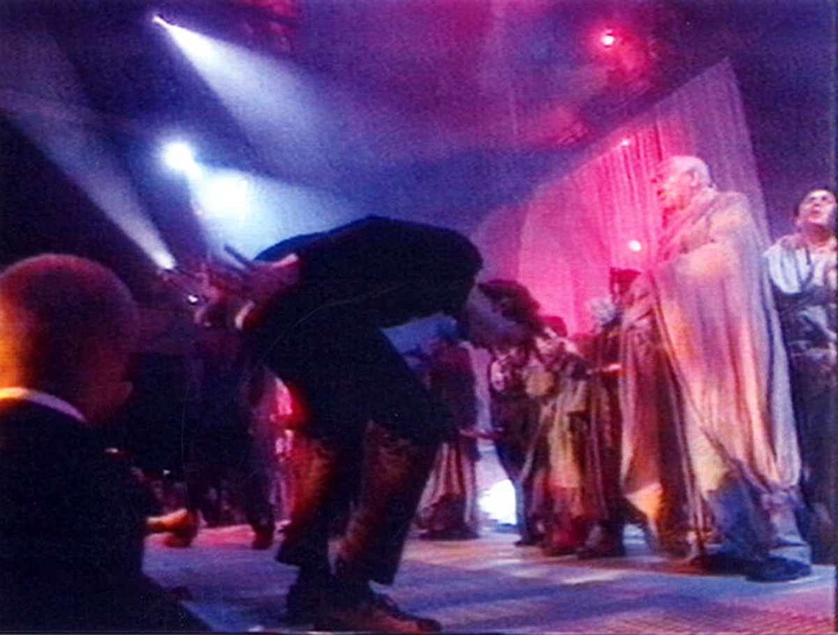 Jarvis Cockers wiggles his bum on stage during Michal Jackson's performance of Earth Song.