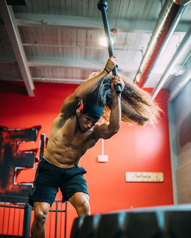 Friday mood: Hair down & Smash things! Comment your mood in an Emoji 👇🏽—————————————————————- After winning the Can Am Lacrosse League Championship, I was back in the gym training for the ultimate goal of winning the Presidents cup • @haloheadband let's me get wild with my hair down, keeps sweat out of my face and let's me go Beast Mode! 📷: @nicolarinaldo