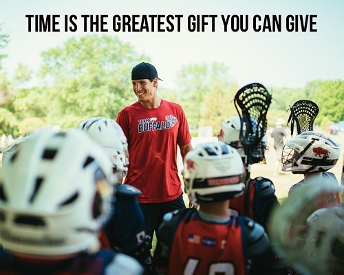 Giving someone your time could change their day or even their future. I'm grateful to have the opportunity to play in the @nll and give back to young lacrosse players. 📷: @nicolarinaldo