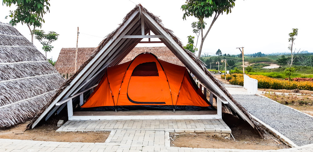 ORANGE TENT (MAX: 4 PEOPLE