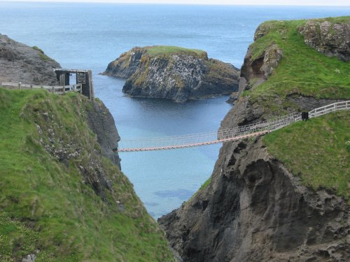 carrick-a-rede-rope-bridge.jpg