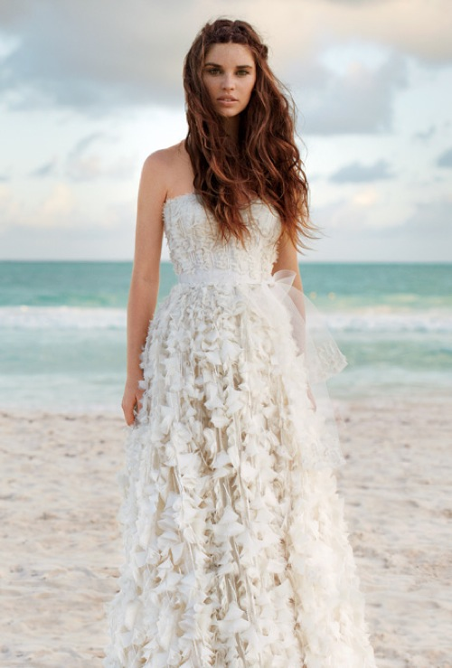 3 Best Tips When Selecting Your Destination Wedding Dress Chic