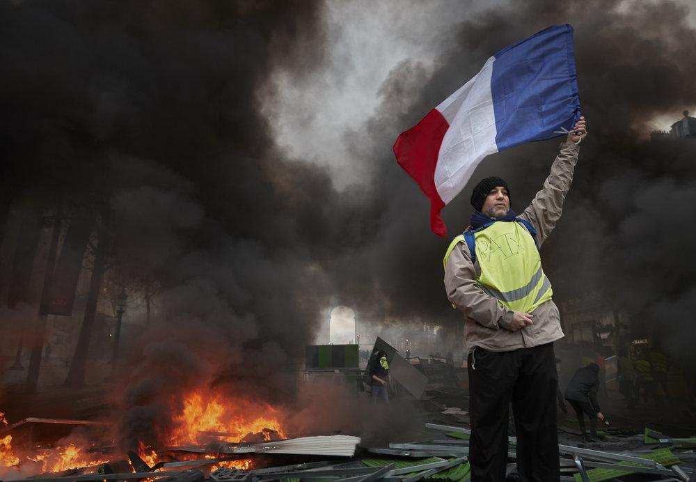 Gilets_Jaunes_Riots_Paris01.JPG