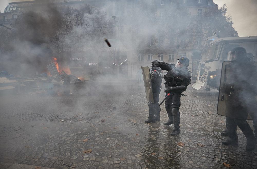 Gilets_Jaunes_Riots_Paris07.JPG