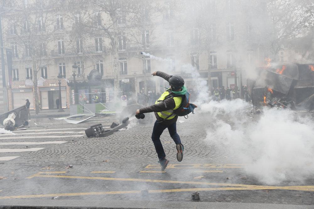 Gilets_Jaunes_Riots_Paris09.JPG