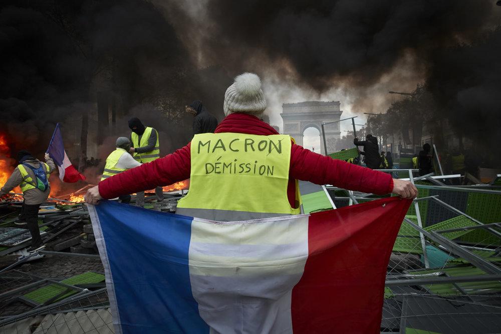 Gilets_Jaunes_Riots_Paris17.JPG