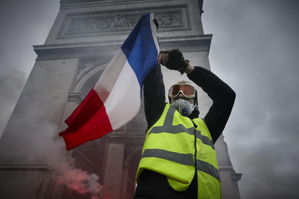 Gilets_Jaunes_Riots_Paris-1DEC-01.JPG