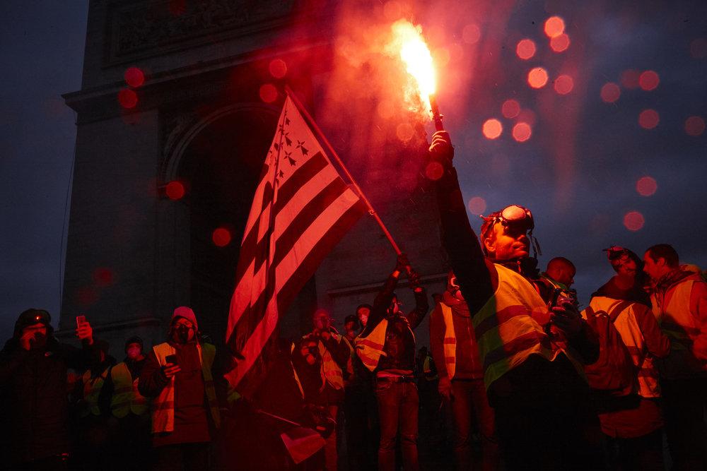Gilets_Jaunes_Riots_Paris-1DEC-02.JPG