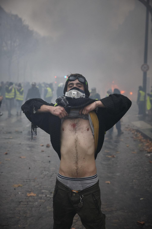 Gilets_Jaunes_Riots_Paris-1DEC-06.JPG