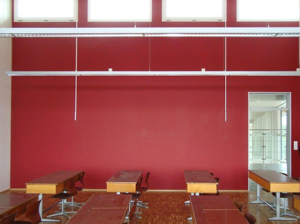 classroom_red_2_pt.JPG