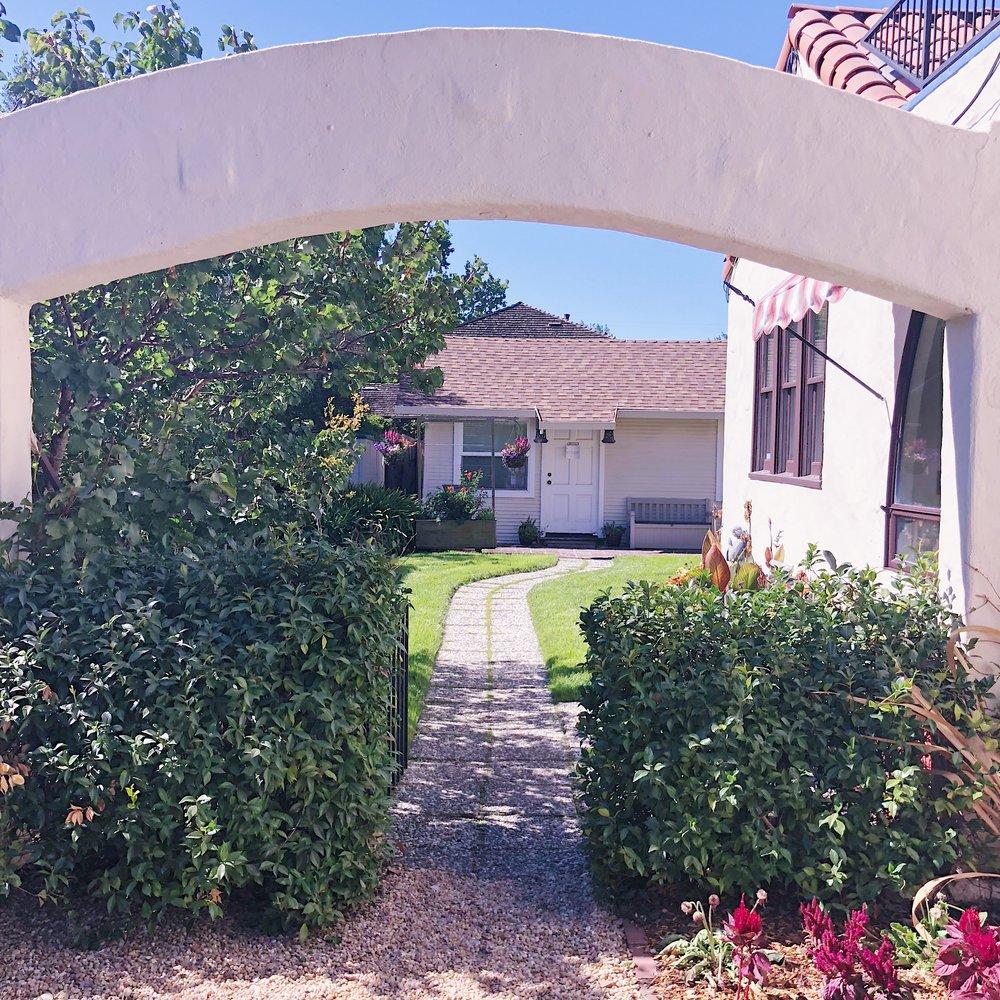 Palo alto guest cottage garden
