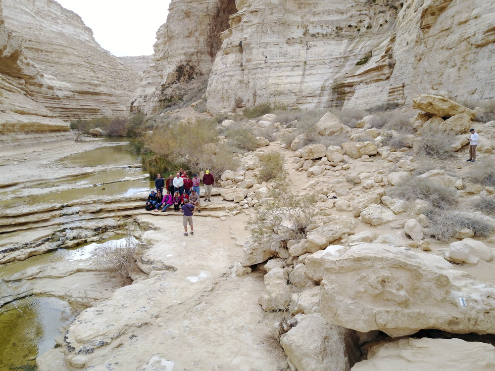 ROCKS, WATER AND MOSES' MESSIANIC ROLE