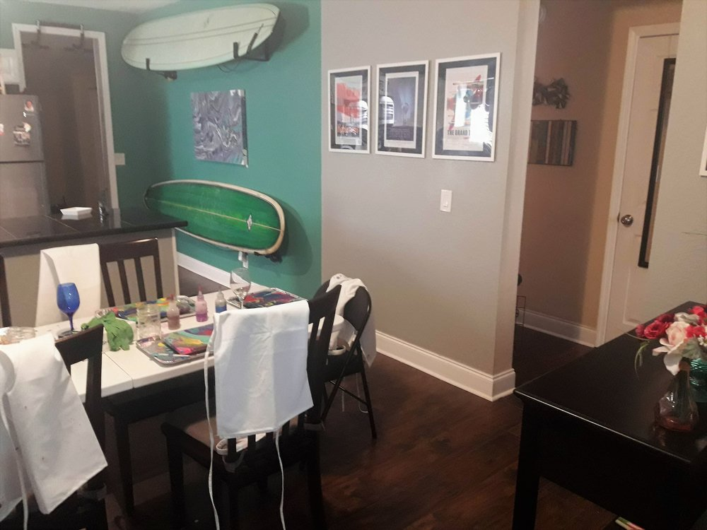 More of the home-i-ness that makes these classes that much more fun - surfboards in the kitchen! Each class is welcome to use our wine glasses or surplus of coffee mugs (we've even got a Keurig with reusable K-cup!). Just BYOBeverage!