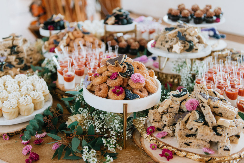 I mean…look at this spread by Hey There, Cupcake! Still drooling over the moonscape cookies.