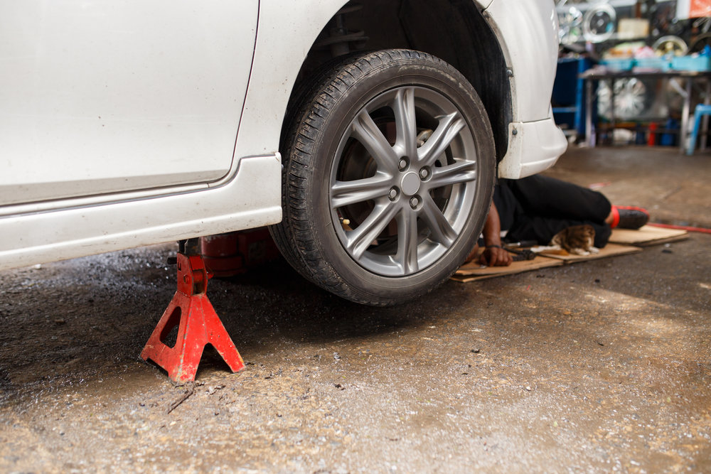 Should I Use Jack Stands To Change a Tire?