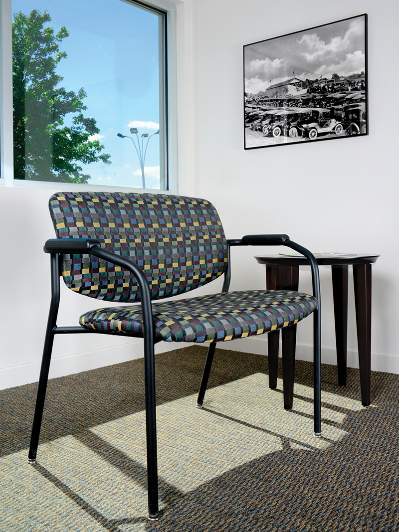 freelance_bariatric_chair_ourisman_chrysler_gallery_med.jpg