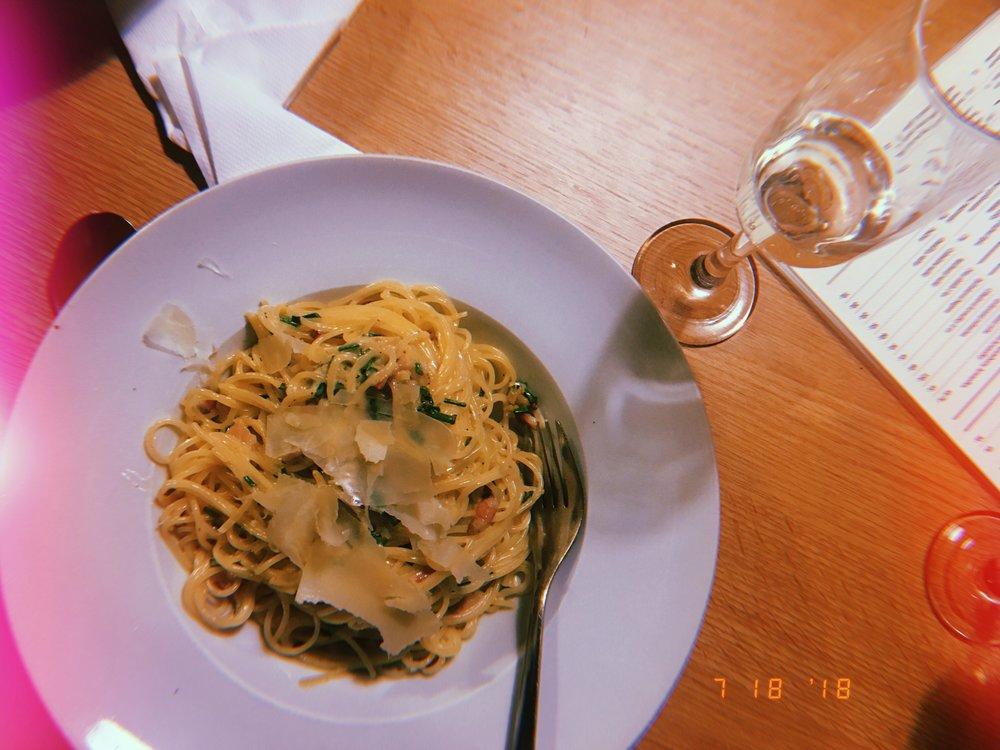 Dinner in Prague   Carbonara + Prosecco