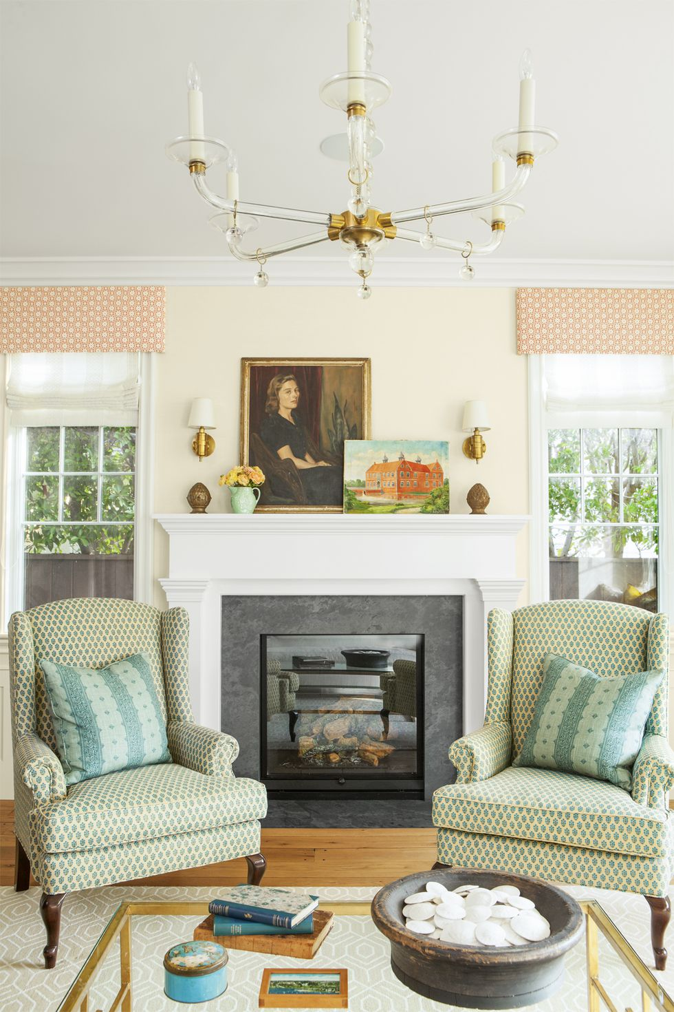 in-with-the-bold-fireplace-0417.jpg