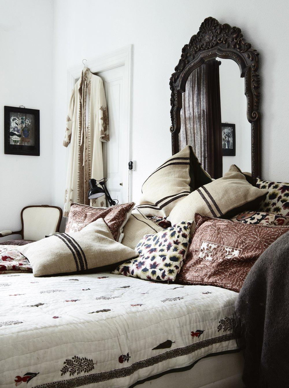 Heather Bullard | Styling 101: Neutral Pillows & Throws