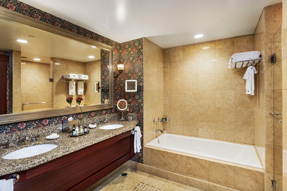 Palisade-Bath.jpg