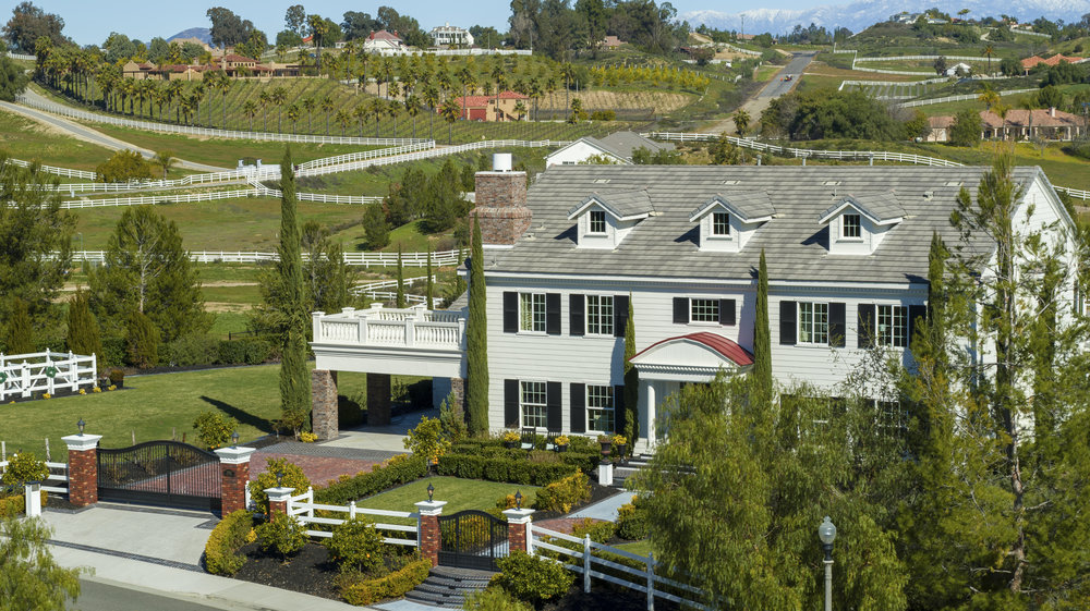 Temecula Valley - Aerial services in Temecula's horse and wine country